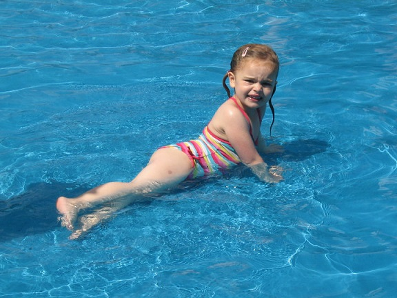#SnapHappyBritMums – Swimming