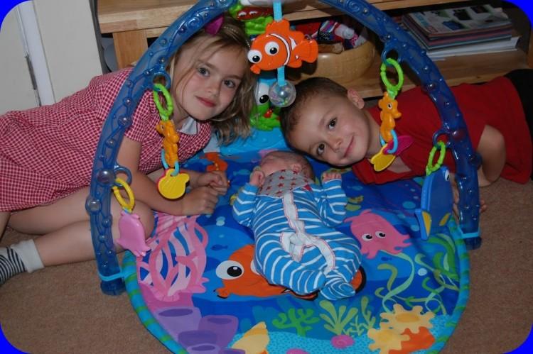 Playtime! Fisher Price Disney Nemo baby gym – review