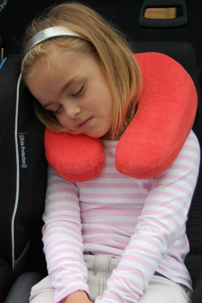 Slumberdown Traditional Memory Foam Pillow Review : Slumberdown Travel Pillow - review - Family Fever