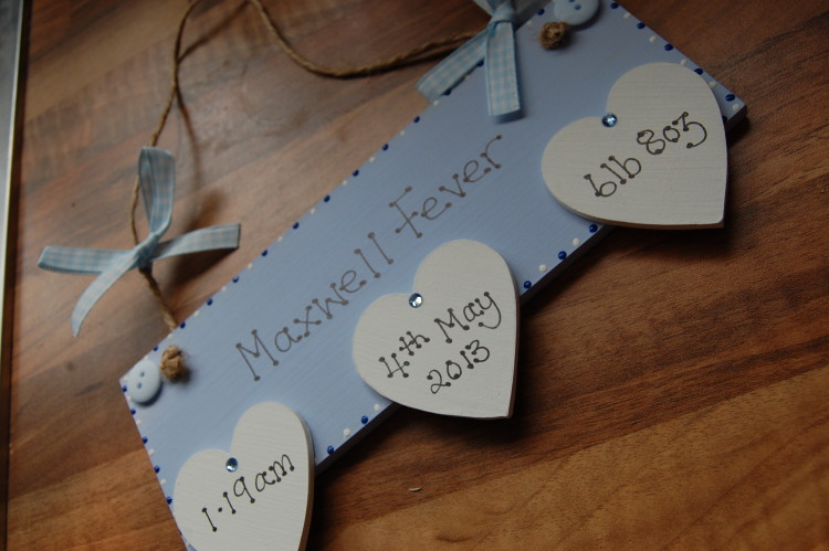 Handmade by Kirsty birth date plaque review