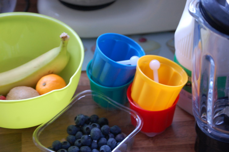 Budget mixed fruit lollies