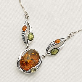 Giveaway – win an art nouveau silver & amber pendant