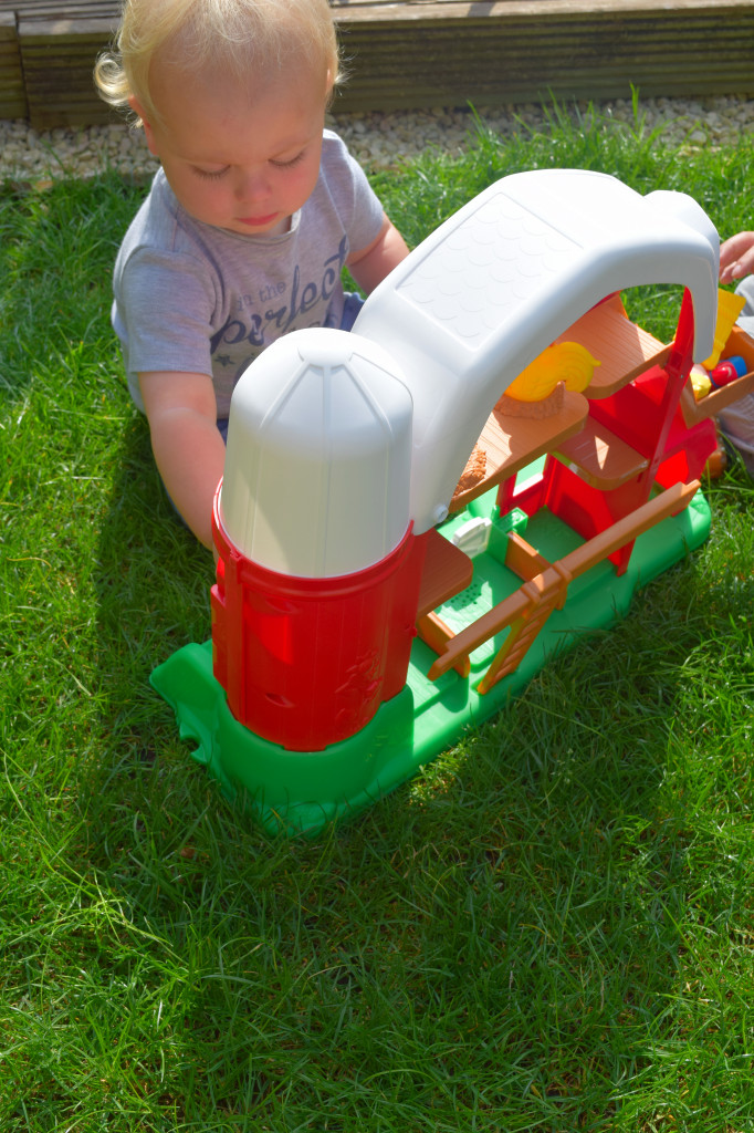 Fisher Price Little People Fun Sounds Farm review