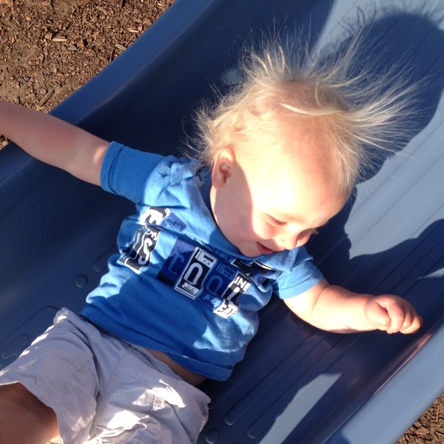 Max's hair goes a bit static on the slide lol!