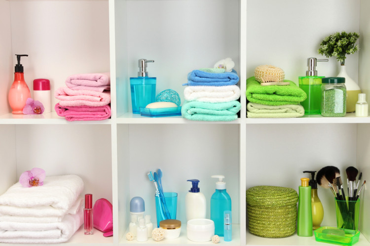 8 tips to keep your bathroom organised