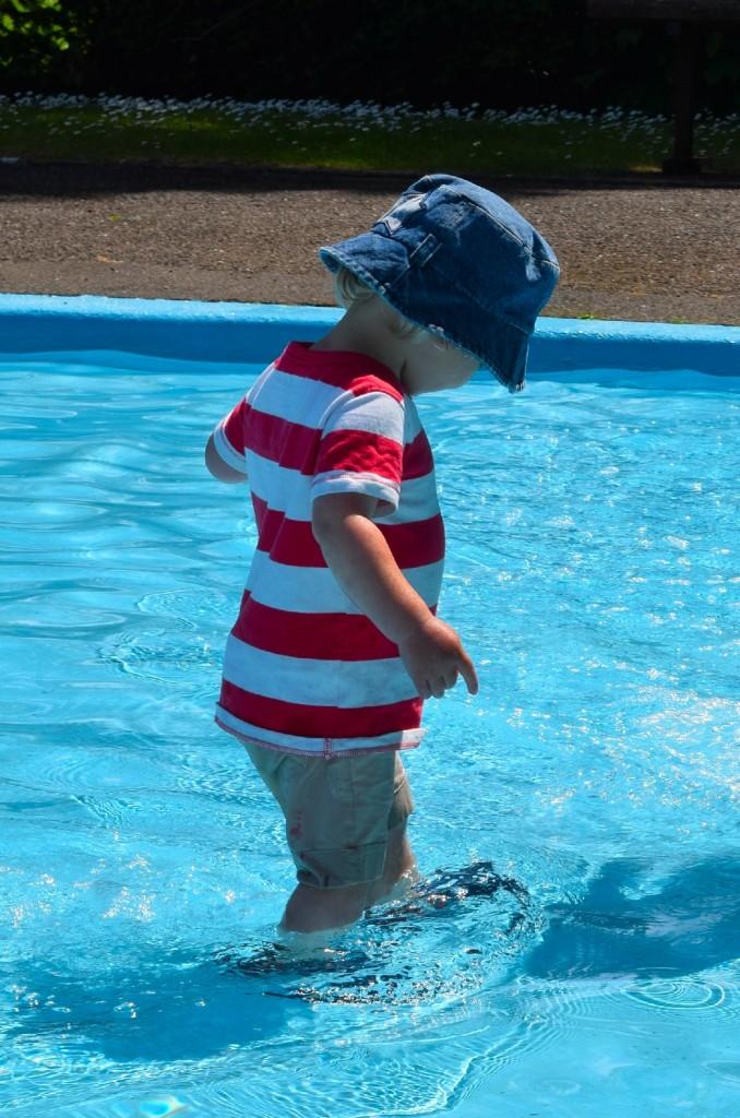keeping children cool in summer