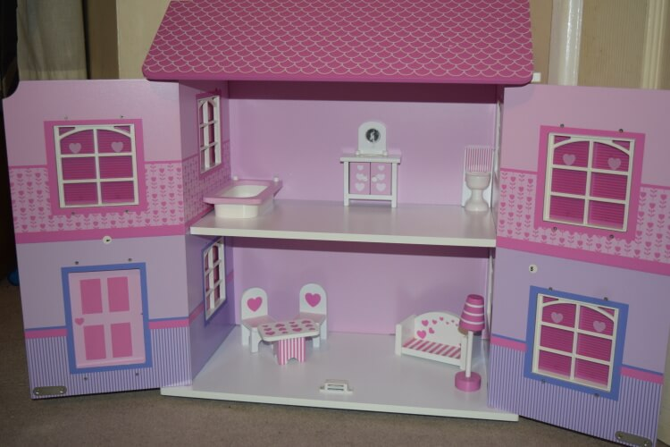 Butternut Country dolls house