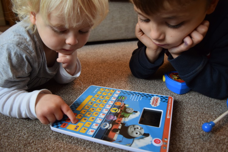 Review: KD UK Thomas & Friends tablet and Paw Patrol walkie talkies