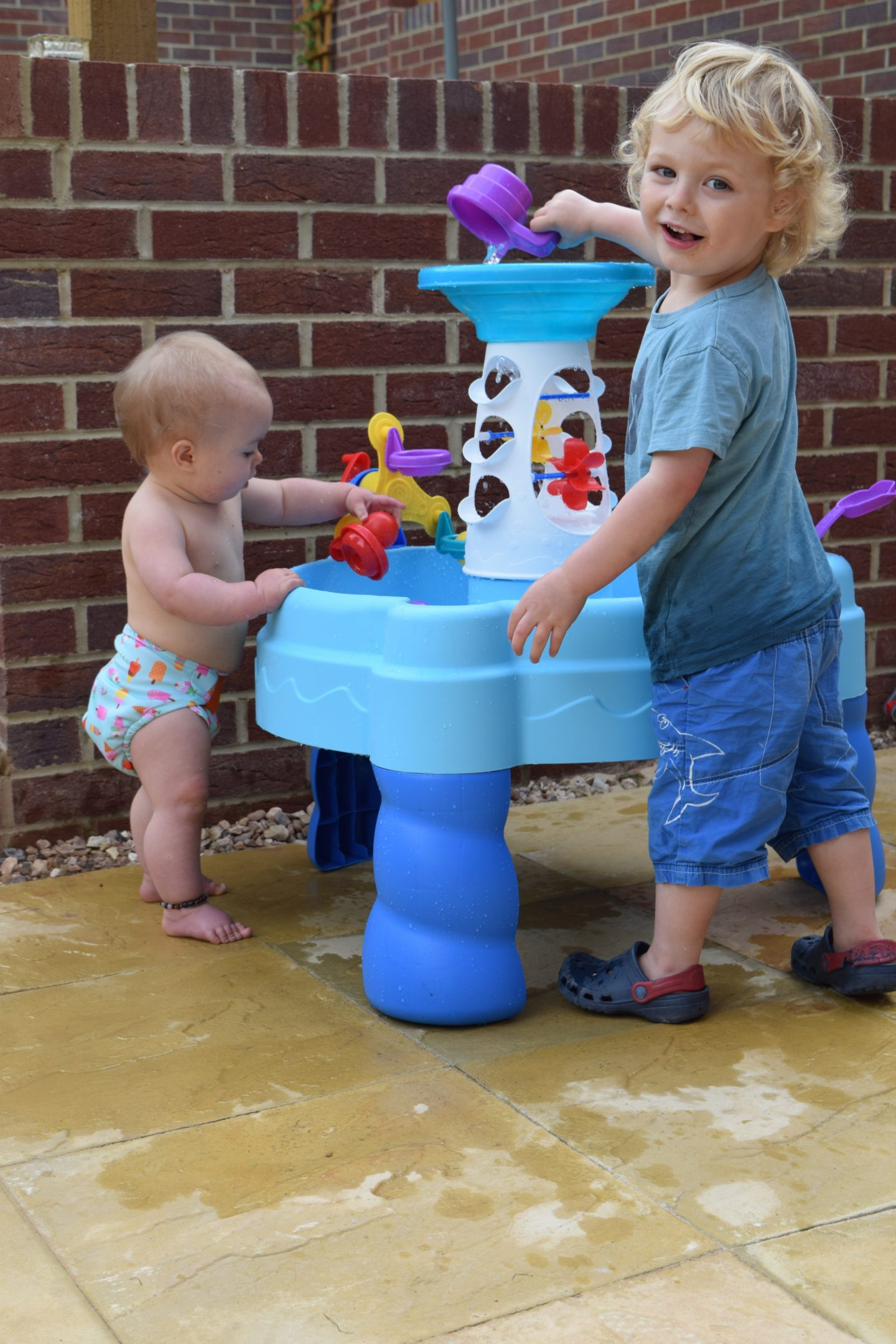 Review: Little Tikes Spinning Seas water table
