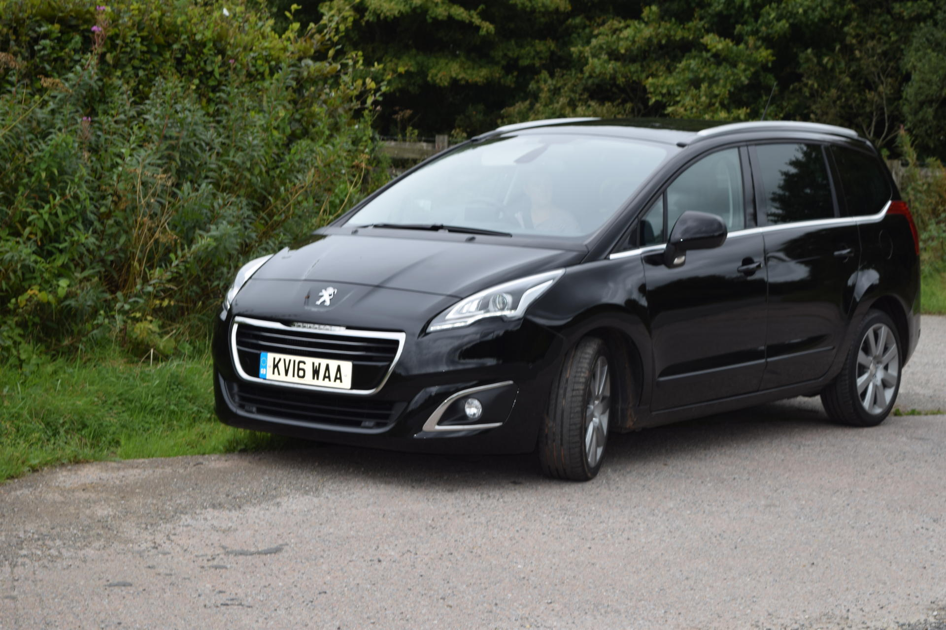review peugeot 5008 7 seater mpv family fever. Black Bedroom Furniture Sets. Home Design Ideas