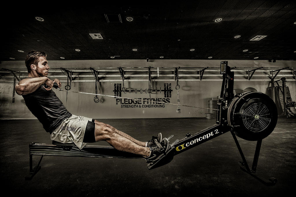 5 benefits of rowing machine workouts