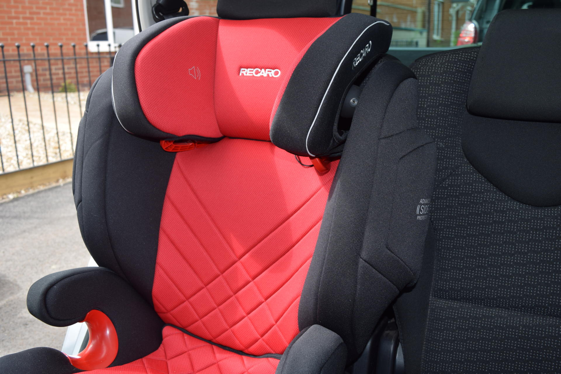 review recaro monza nova 2 seatfix family fever. Black Bedroom Furniture Sets. Home Design Ideas