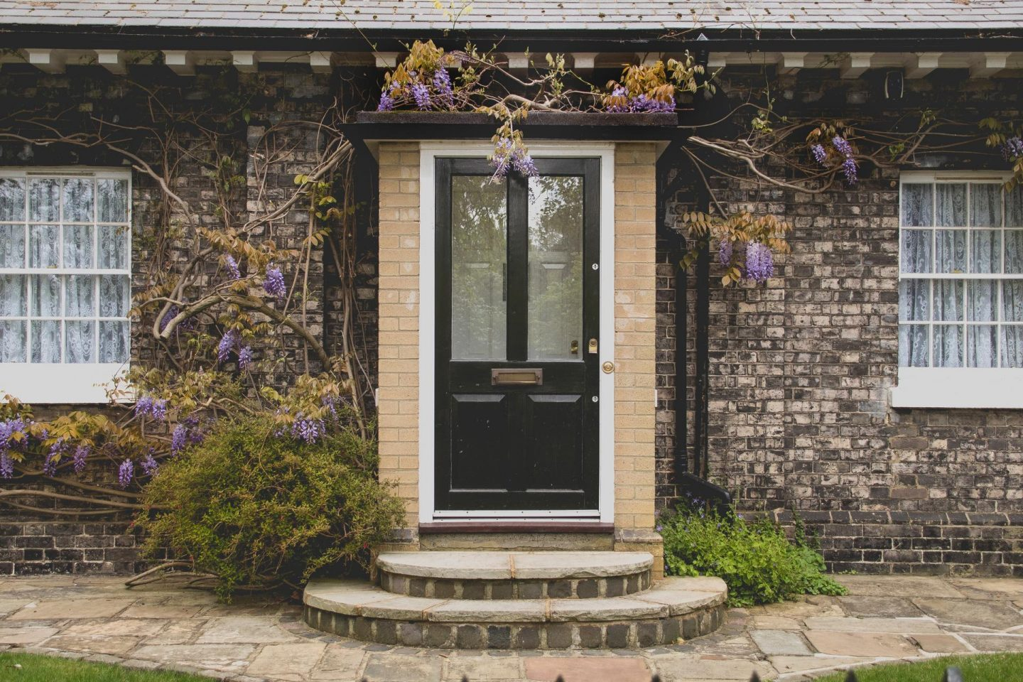 How to increase the value of your home in 8 easy steps