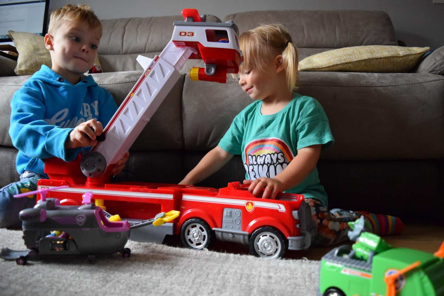 Review | Paw Patrol Ultimate Rescue Fire Truck