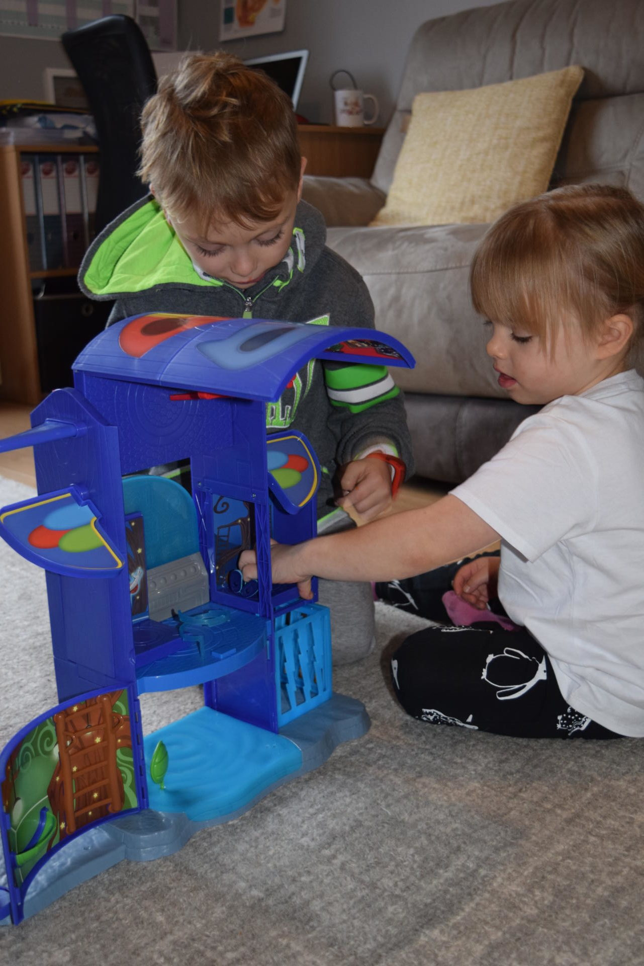 PJ masks mission control HQ playset
