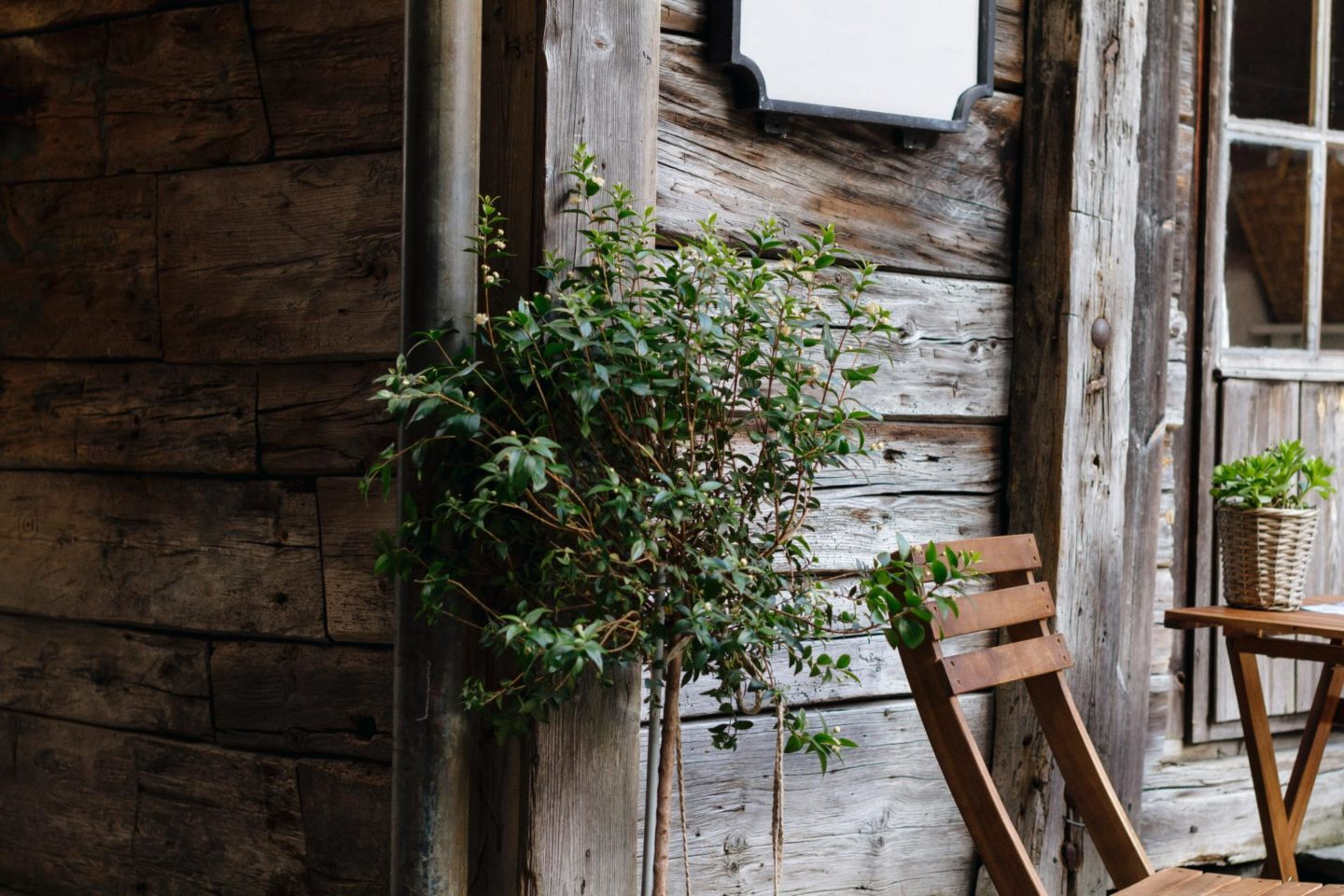 How to successfully install a plastic garden shed