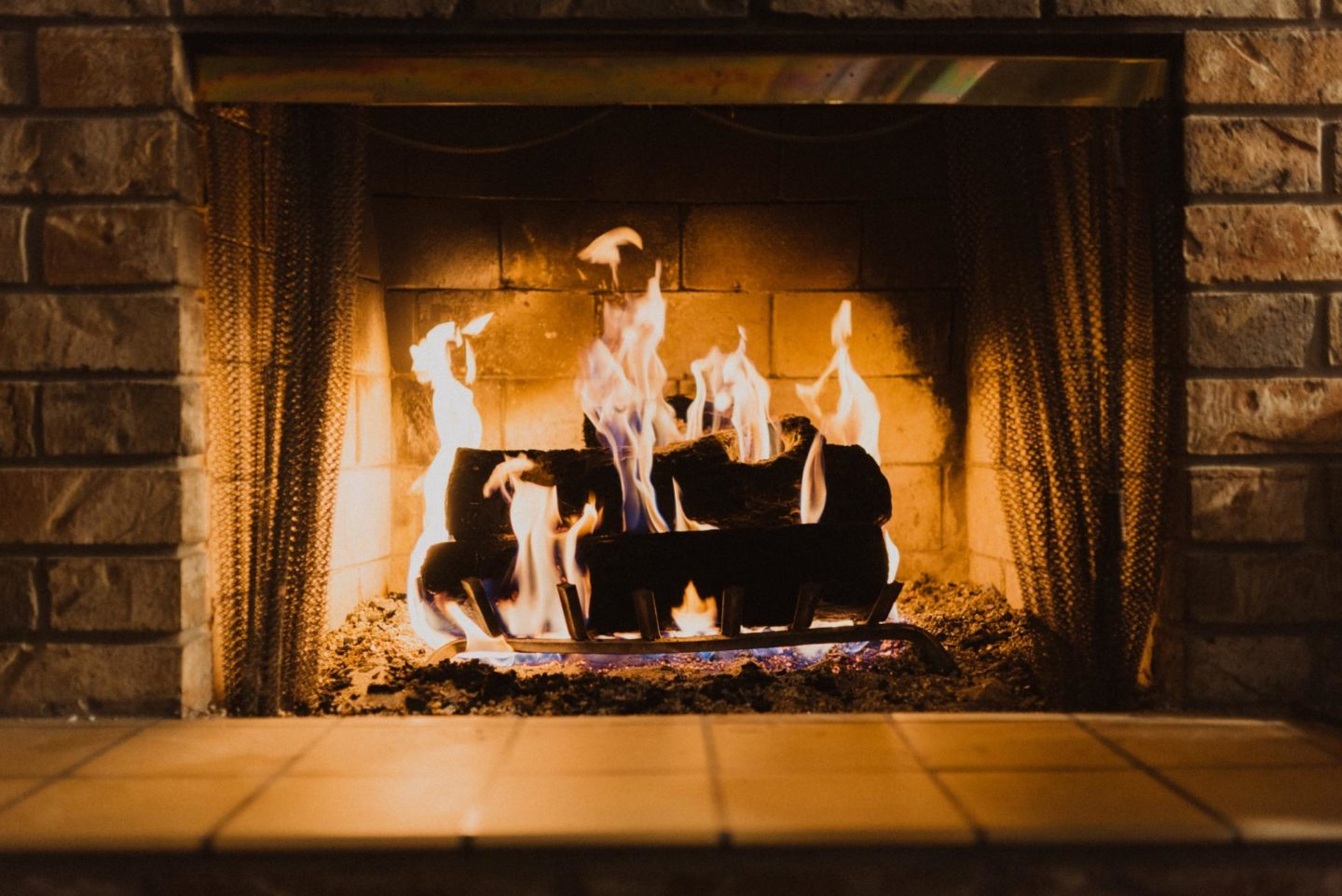 The 6 best tips to prepare your fireplace for a cold winter