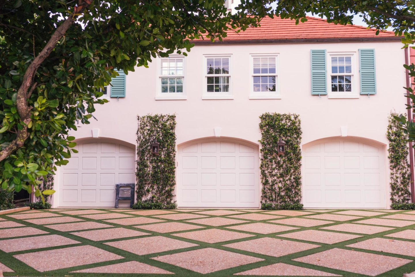 3 easy ways to boost the appeal of your driveway