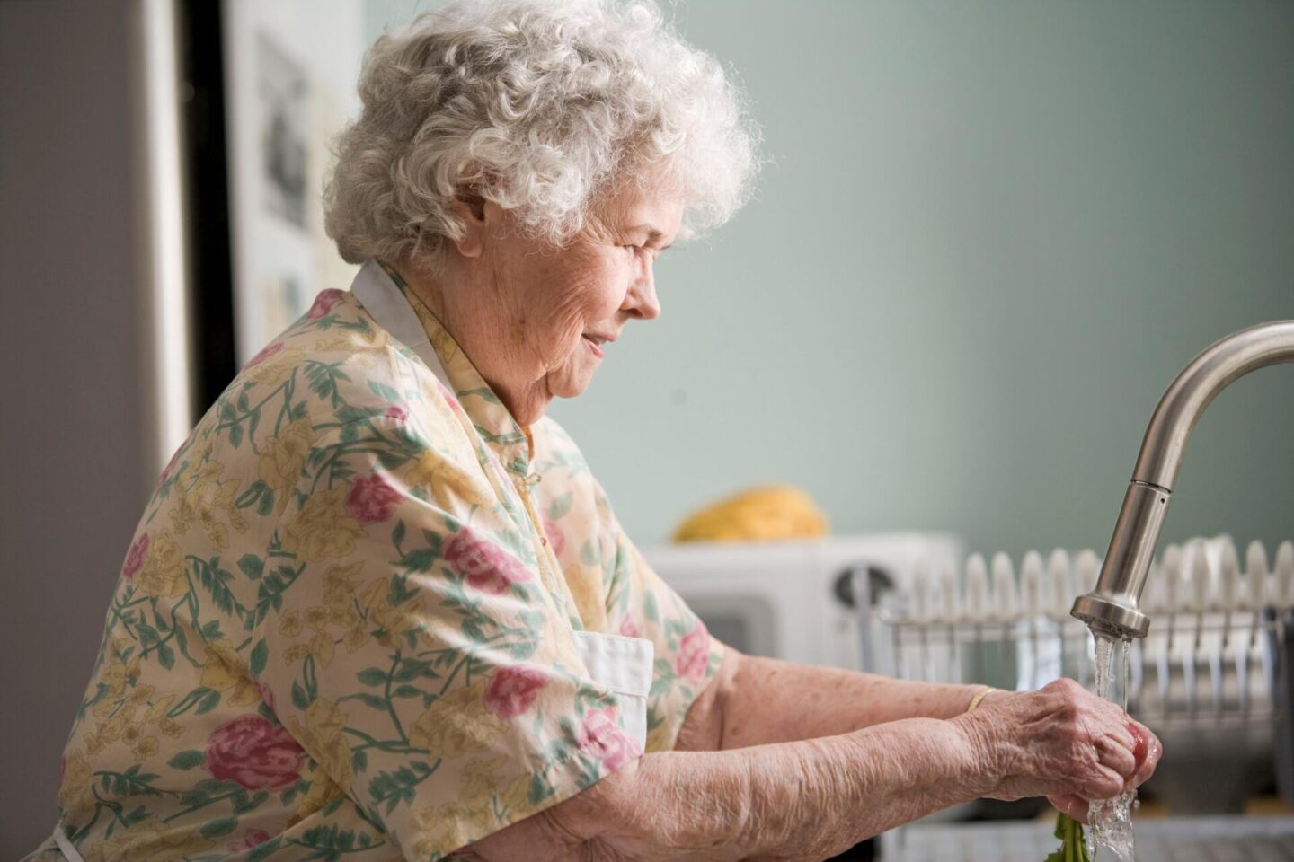 Top 5 reasons you should choose live-in care for your loved ones